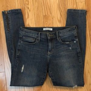 BANANA REPUBLIC skinny ankle distressed jeans 26